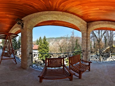 Virtual tour - house in Pancharvo with a view of a lake